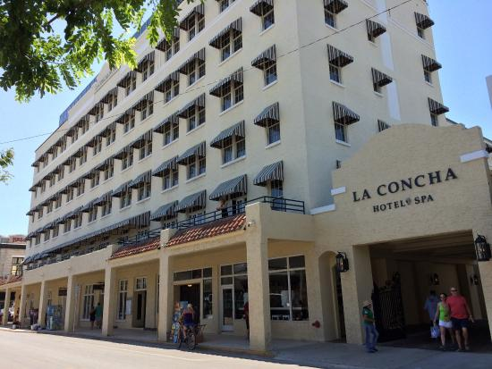 Crowne Plaza Key West La Concha Front Of Hotel From Duval Street