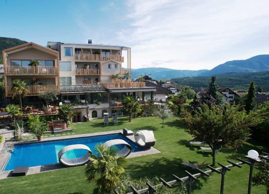 Hotel panorama bewertungen fotos caldaro sulla strada for Hotel kaltern