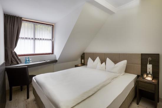 H hotel nuernberg updated 2018 prices reviews for Bar 42 nurnberg