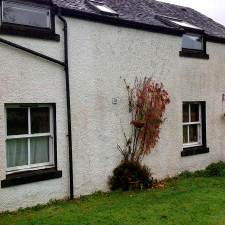 Glendaruel, UK: Side wall of house