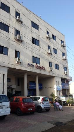 Ranjangaon, India: Hotel Building