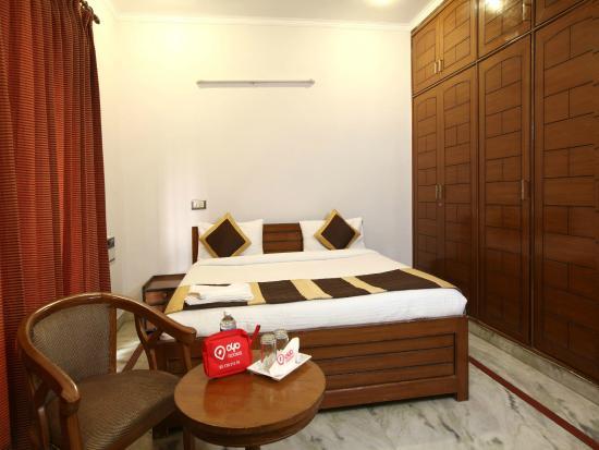 OYO Rooms Subhash Chowk