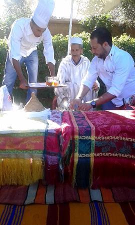 Service du th 1 picture of atelier de cuisine chef for Atelier cuisine marrakech