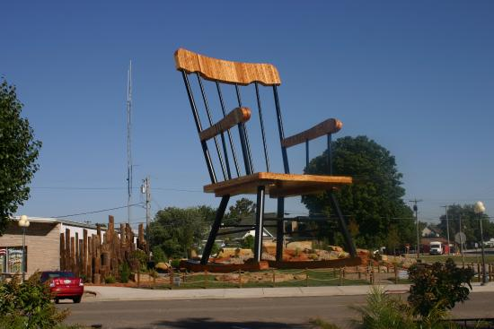 ‪World's Largest Rocking Chair‬