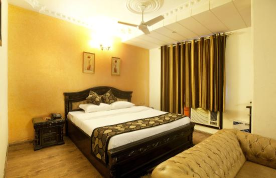 OYO Rooms Ambience Mall