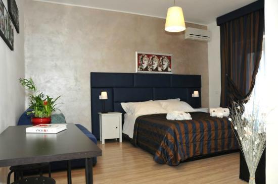 Check-Inn Rooms