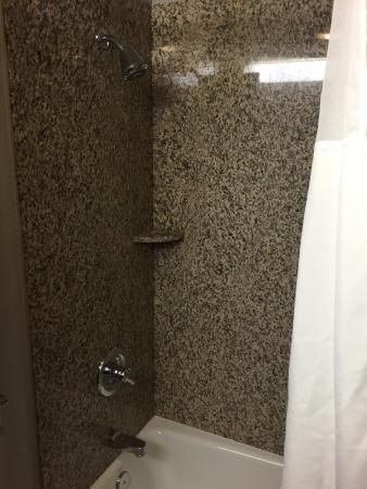 Country Inn & Suites By Carlson, Jacksonville West: nice shower