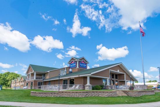 Okoboji, Айова: Horizontal Exterior