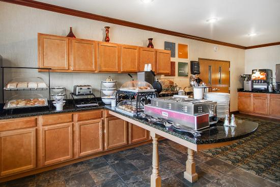 Comfort Inn & Suites Madison North: Breakfast