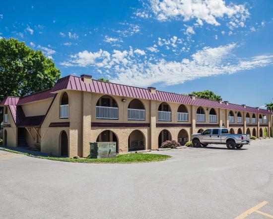 Photo of Econo Lodge Urbandale