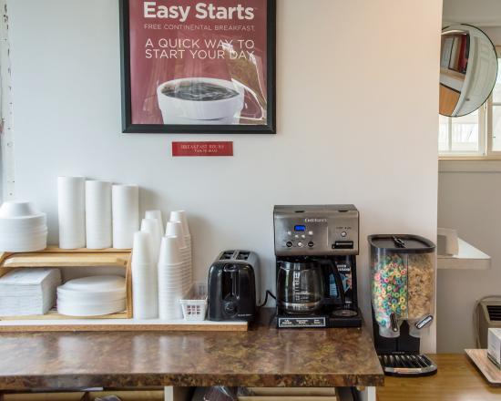 Econo Lodge : Breakfast Area