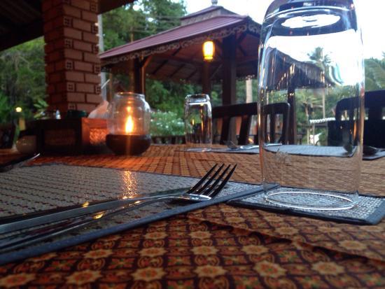 Lanta Pearl Beach Resort: The Pearl restaurant