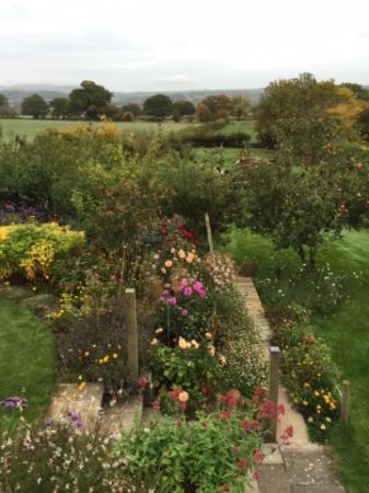Munslow, UK: Beautiful Gardens