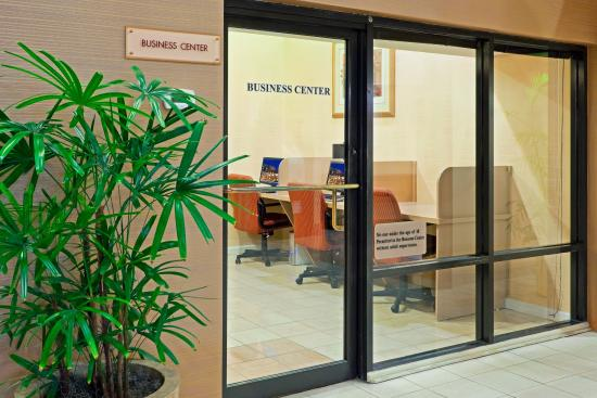 Trevose, Πενσυλβάνια: Print out important documents in the Business Center