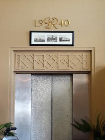 Quest Invercargill: Elevator in foyer
