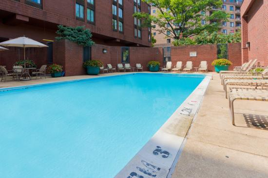 Swimming Pool - Picture of Holiday Inn Washington ...