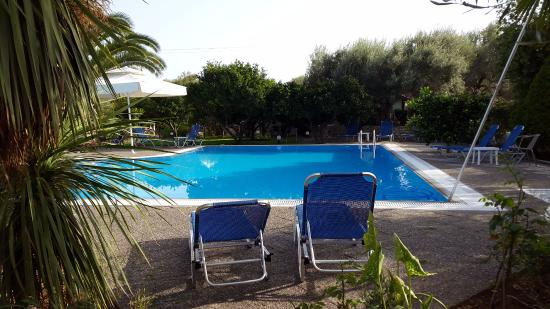 Agia Marina, Grecia: view from ground floor balcony to the pool