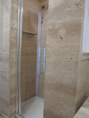 Casa Montani - Luxury Guest House: La salle de bains