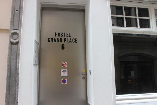 2Go4 Grand Place: Front Door