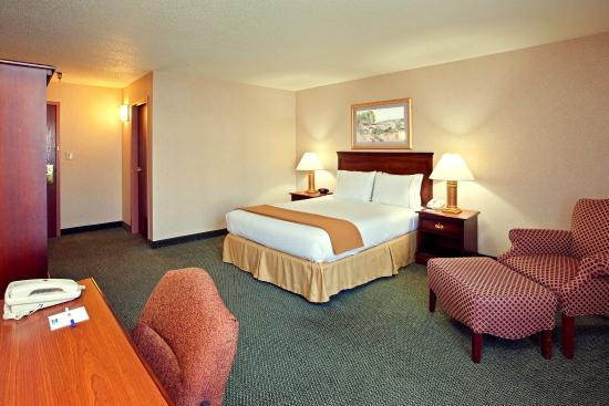 Holiday Inn Express Hotel & Suites West Mifflin: Queen Bed Guest Room