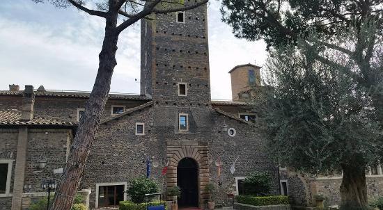 photo0.jpg - Picture of Castello della Castelluccia, Rome - TripAdvisor