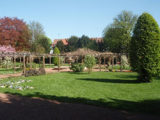une belle all e du parc photo de jardin botanique de tourcoing tourcoing tripadvisor. Black Bedroom Furniture Sets. Home Design Ideas