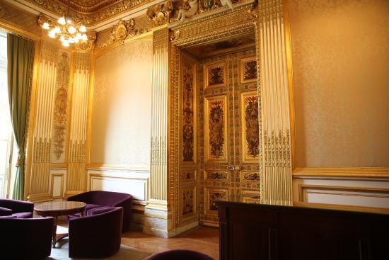 Paris palais du luxembourg s nat salon victor hugo picture of luxembourg palace paris - Salon de l emploi luxembourg ...