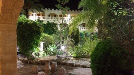 Hotel Plaza Del Castillo Bei Nacht