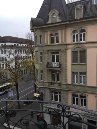 Renaissance Lucerne Hotel Photo
