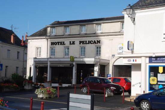 Vernantes, France : The Hotel..