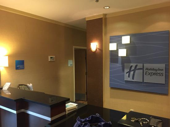 Holiday Inn Express Jacksonville South I-295: front desk