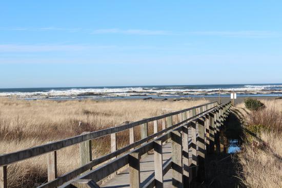 Ocean Shores, WA: Boardwalk to Beach