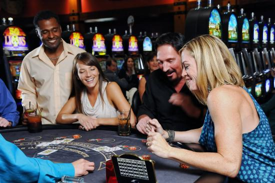 Quinault Beach Resort and Casino: Table Games