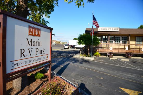 Greenbrae, Californië: Marin RV park entrance