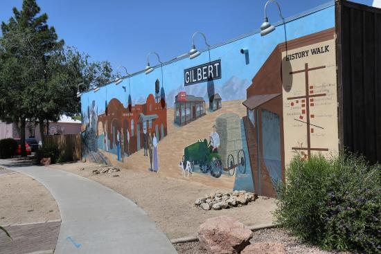 ‪Downtown Gilbert‬