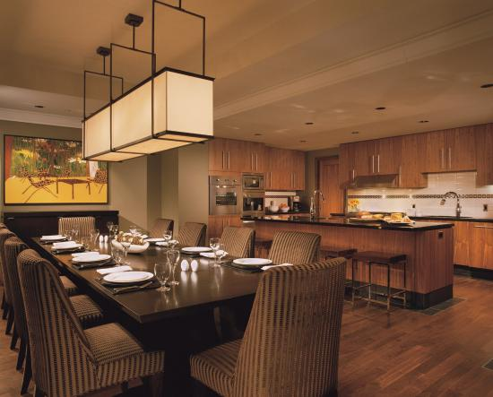 Four Seasons Resort and Residences Whistler: Four Bedroom Private Residence Kitchen/Dining Room