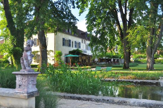 Port-Lesney, Франция: Parc et véranda