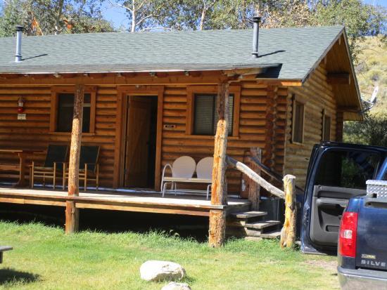 Jelm, ไวโอมิง: The Duplex Cabin Exterior