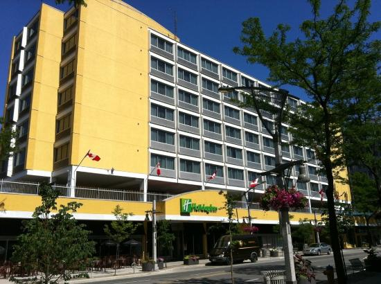 Holiday Inn Windsor Downtown: Hotel Exterior