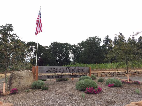 Rickreall, OR: Eola Hills Legacy Vineyards