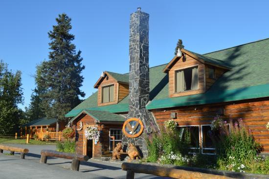 Summit Lake Lodge : main Lodge