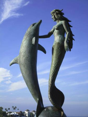 """Sinfonía Del Mar : Marco Rivero's """"The Mermaid and The Dolphin"""""""