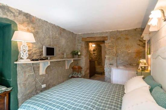 Camera da letto Taverna rustica - Foto di Cascina Bricco ...