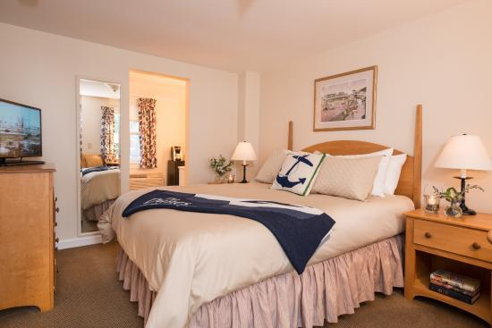 The Dunes on the Waterfront: Classic Guestroom