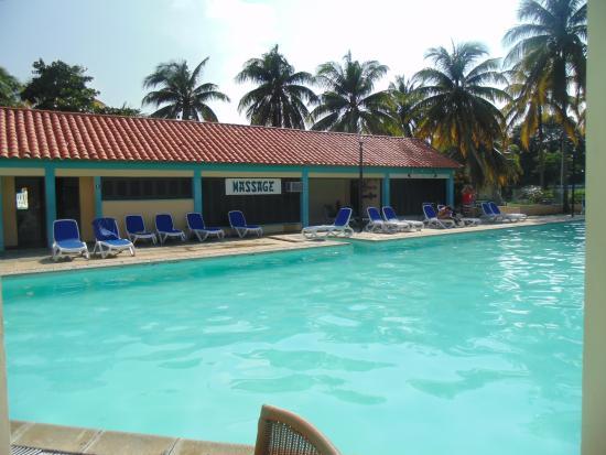 Area de piscina picture of islazul mar del sur for Appart hotel 41