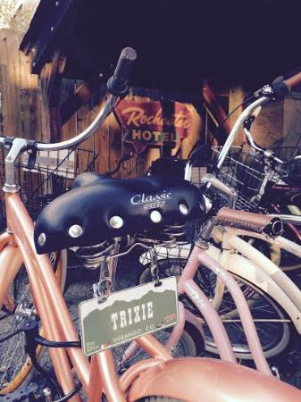 Rochester Hotel & Bar: Bicycles -each with its own name. Mine = Trixie
