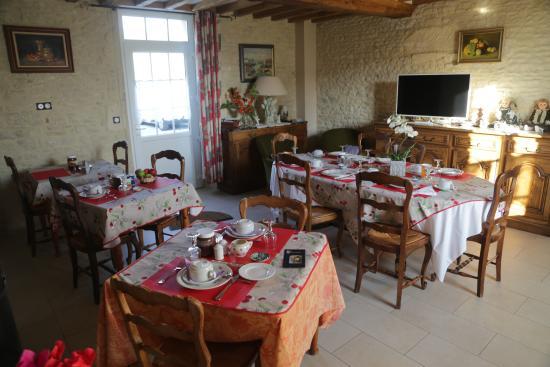 Meuvaines, Francia: Breakfast