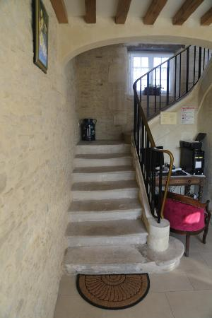 Meuvaines, Francia: Stair to 2nd floor