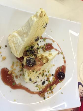 Trattoria Moderna Il Simposio: Semifreddo all'amarena (Amarena cherry semifreddo)