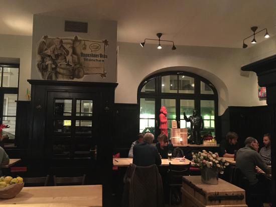Zur Schwalbe M 252 Nchen Restaurant Bewertungen Telefonnummer Amp Fotos Tripadvisor